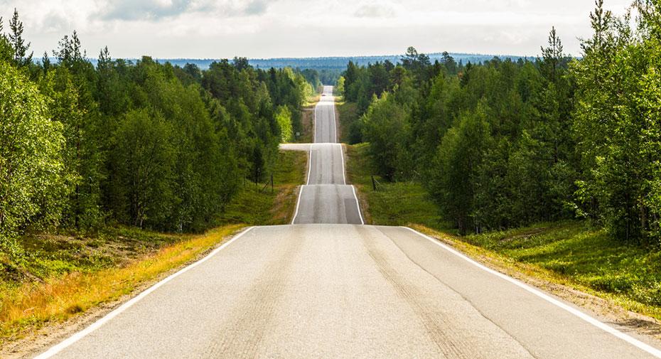 Motorhome Reise Finnland atemberaubende Strasse